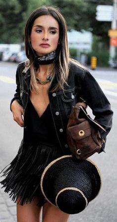 Resort Rock Sugar Black And Brown Fringes And Leather Outfit Idea