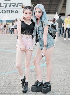 *Harajuku Besties / goth cuties