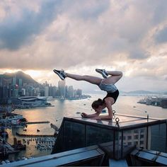 Highrise Yoga  Photo by @beerkus  #yimap #highwithyi #yi4k #chasingrooftops #city_explore #rooftopping #neverstopexploring #yoga #gimnastic  #urbanexploration #china #roof #rooftop #hongkong