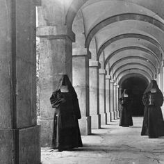 monja siglo XIX - Buscar con Google