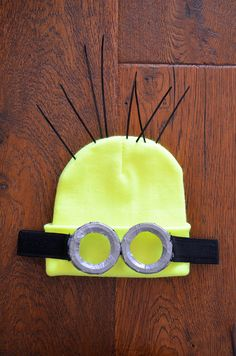 DIY minion costume despicable me http://www.youmakefashion.fr/2014/10/diy-70-deguisement-minion-moi-moche-et.html