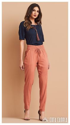 Work Fashion, Fashion Pants, Fashion Looks, Jeggings Outfit, Formal Wear Women, Dressy Pants, Elegant Outfit, Blouse Designs, Stylish Outfits