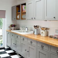 Dark grey shaker cabinets shaker style kitchen cabinets grey shaker style kitchen with wooden worktop kitchen Wooden Worktop Kitchen, Farmhouse Sink Kitchen, Kitchen Units, New Kitchen, Kitchen Decor, Kitchen Grey, Kitchen Country, Kitchen Ideas, Farmhouse Style