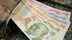 Türkiye'de sayıları yaklaşık 9 milyonu bulan SSK ve Bağkur emeklisinin maaşlarına 2015 yılı başında alacakları zam oranı belli oldu.