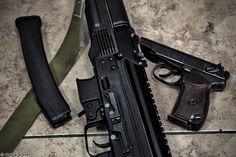 PP-19-01 Vityaz-SN and Makarov pistol by Vitaly Kuzmin [2250x1500][OS]
