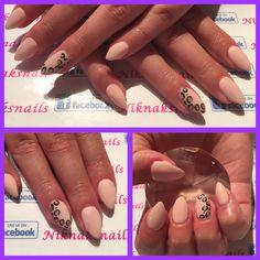 Leopard print gel nails