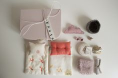 mouse set in a box/ little knots/ hand made in England by Alessandra Taccia