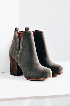 this 70s inspired chunky booties