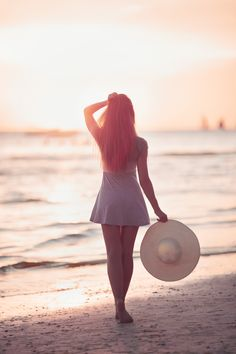 Girl on the beach by Vasily Makarov on 500px