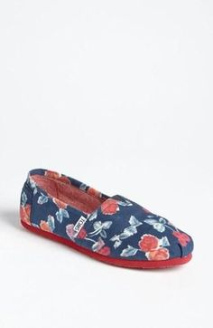 Cute! Red, white, and blue floral TOMS.