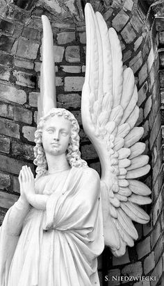 One of the guardian angels - at the Church of the Guardian Angels in Manistee, Michigan. Cemetery Angels, Cemetery Art, Angels Among Us, Angels And Demons, Entertaining Angels, Angel Sculpture, I Believe In Angels, Ange Demon, Angel Statues
