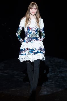 Emanuel Ungaro Fall 2016 Ready-to-Wear Fashion Show Collection