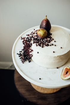 hazelnut layer cake w/ fig compote + (vegan) cream cheese frosting — dolly and oatmeal Sub flax eggs in layer cake to veganize. Cupcakes, Cupcake Cakes, Vegan Cream Cheese Frosting, Cake Recipes, Dessert Recipes, Naked Cakes, Bolo Cake, Hazelnut Cake, Birthday Cakes