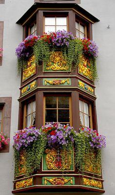 Balcões floridos em Rottweil, estado de Baden-Wurttemberg, Alemanha. Fotografia: SBA73 no Flickr.