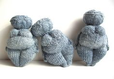 Okay, so I cannot actually knit, but if I could, I would do what this awesome lady did, and knit one of these sweet Venus of Willendorf dolls. (from www.yarnloopie.blogspot.com)