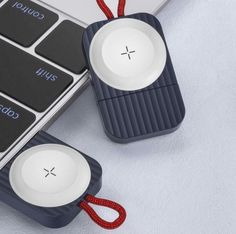 Magnetic Portable Wireless Charger premium