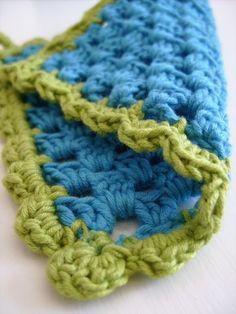Pot holder PDF crochet pattern tutorial DIY by CasaDiAries | Craftjuice Handmade Social Network