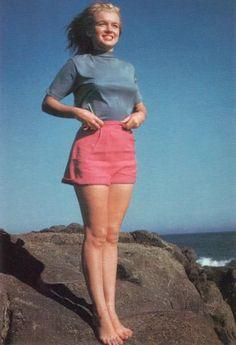 1946: Taken by photographer William Burnside at Santa Monica Beach.
