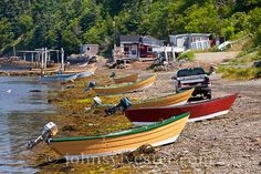 Bay of Fundy;Canada;Dark Harbour;Grand Manan Island;New Brunswick;dories;dulse harverting;harvesters;scenic;seaweed