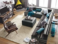 FOR LAYOUT Large Living Room Decoration With Modern Sectional Sofas And Corner Fireplace