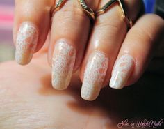 Wedding Details on Alice in WonderNails: Bride in Lace con MoYou London lace stamping, OPI Bubble Bath and Essence Stampy polish, all topped with China Glaze Fairy Dust