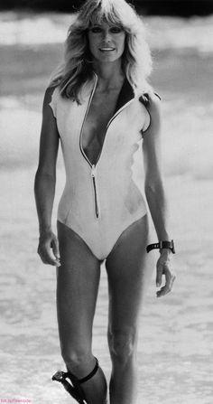 """Remember the movie sunburn? Farrah Fawcett, Suit Pic, Lingerie Glamour, Japanese Poster, Paramount Pictures, Pretty Photos, White Image, Portrait Photo, Beautiful Celebrities"