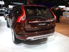 Rear offset view ofthe2014 Volvo XC60.