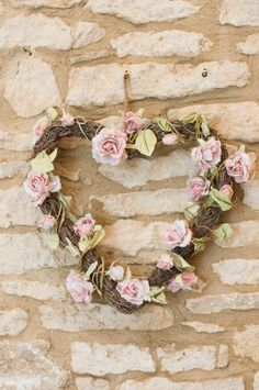 Valentine's Day Wedding Decoration Ideas, Flowers wreath for lovers day wedding Rustic Wedding Flowers, Chic Wedding, Dream Wedding, Wedding Day, Spring Wedding, Wedding Bells, Valentines Day Weddings, Valentines Day Decorations, Heart Decorations