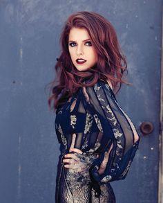Anna Kendrick_gorgeous color hair!