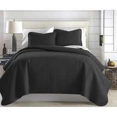 Oversized Solid Quilt Set by Southshore Fine Linens (Full - Queen - Black)