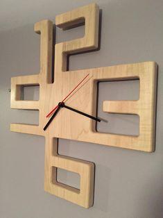 Artikel ähnlich wie Modern Solid Maple Clock auf Etsy - My CMS Diy Para A Casa, Diy Casa, Woodworking Inspiration, Woodworking Projects Diy, Woodworking Shop Layout, Popular Woodworking, Diy Wood Wall, Wooden Diy, Diy Home Crafts