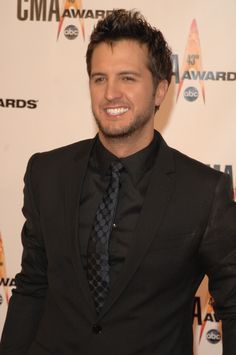 Luke Bryan on the Red Carpet at the 2009 CMA Awards.