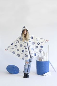 https://www.etsy.com/it/listing/182986969/raincape-with-hood-old-sea-dog?ref=listing-shop-header-1