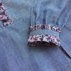 Kurti Sleeves Design, Sleeves Designs For Dresses, Kurta Neck Design, Dress Neck Designs, Saree Blouse Designs, Sleeve Designs, Sewing Sleeves, Kurta Designs Women, Kurti Designs Party Wear