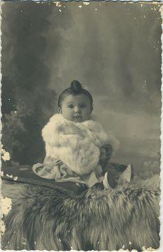 Expecting A Baby? Vintage Children Photos, Vintage Pictures, Vintage Images, Children Pictures, Time Pictures, Old Pictures, Old Photos, Baby Photos, Antique Photos