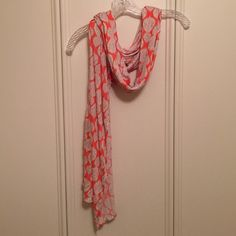 Scarf Pretty scarf. Coral, pink, tan. Worn once or twice. Please keep in mind that colors may vary slightly from actual item due to the lighting or monitor display. Old Navy Accessories Scarves & Wraps