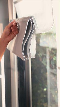 Diy Roman Blinds, Diy Window Blinds, Diy Window Shades, Roman Curtains, Diy Curtains, Blinds For Windows, Curtains With Blinds, Modern Roman Shades, Diy Roman Shades