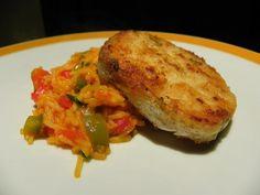 pescada panada com arroz de tomate e pimentos