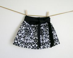 Pretty Lil' Posies: New Skirt For The Munchkin