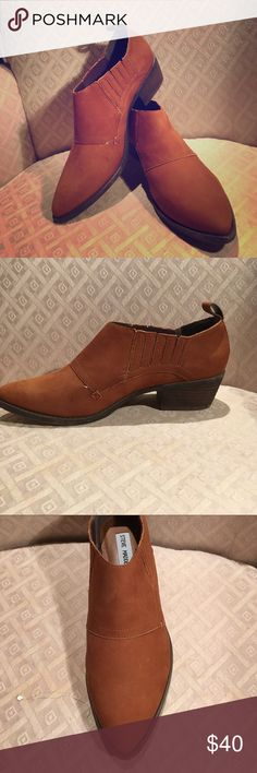 """Steve Madden Auckland Ankle Boots  Pull On NWOT Auckland 8.5"""" Leather Upper, Balance Man Made  New without Tags 1.5"""" Heel Steve Madden Shoes Ankle Boots & Booties"""