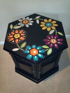 Vintage hexagon end table painted black and decoupaged with bright cut out fabric flowers. Funky Furniture, Refurbished Furniture, Paint Furniture, Repurposed Furniture, Home Decor Furniture, Furniture Projects, Furniture Makeover, Diy Home Decor, Refinished End Tables