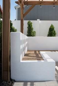 Concrete Outdoor Sofa Update – Room for Tuesday - Terrasse Backyard Seating, Backyard Patio Designs, Small Backyard Landscaping, Garden Seating, Outdoor Seating, Patio Ideas, Landscaping Ideas, Backyard Ideas, Outdoor Sofa