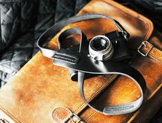 Tap & Dye Nero Camera Strap. #Camera #Strap #RobbGear Amazing Gifts, Best Gifts, Bags, Handbags, Great Gifts, Bag, Totes, Hand Bags