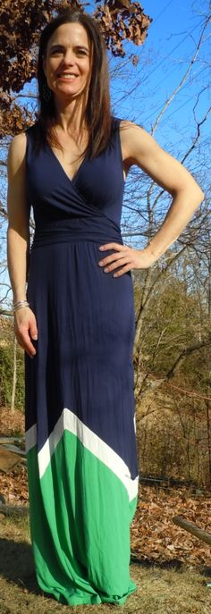 I prefer maxis like this that don't have an elastic waist. This wide waistband looks better on me.