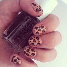 Leopard love nails
