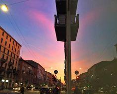 Il cielo di #Milano ieri Foto di Alessandro Giumelli #milanodavedere Milano da Vedere