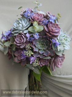 Succulent bouquet from Succulents Simplified, the new book from Debra Lee Baldwin. Bouquet Succulent, Succulent Arrangements, Floral Arrangements, Purple Wedding, Floral Wedding, Wedding Bouquets, Wedding Flowers, Purple Succulents, Planting Succulents