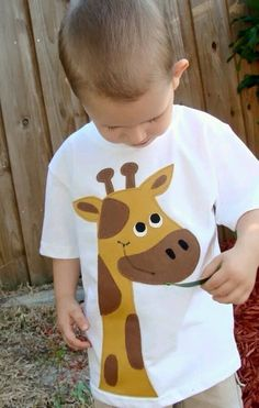 Patches The Giraffe Zoo Boys Custom Applique Tshirt via Etsy - idea Sewing Appliques, Applique Patterns, Baby Sewing Projects, Sewing For Kids, Baby Boy Outfits, Kids Outfits, Cushion Embroidery, Baby Kind, Kids And Parenting
