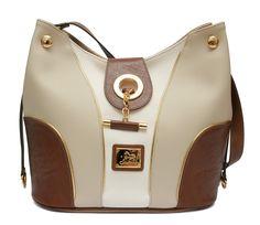 Todos os dias chic com uma mala Cavalinho! Everyday chic with a Cavalinho handbag! Ref: 1030028