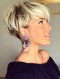 26 Pixie Hairstyles Don't Care About Your Hair Short Pixie Haircuts for Thick Hair - Get Your Inspiration for 2019 - Short Pixie Latest Pixie Cuts for Round Face You'll Love for Summer 2019 - Short Pixie CutsBest Short Haircuts trends and